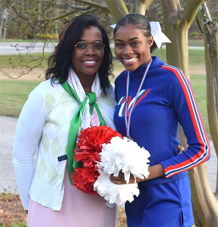 South Aiken Cheerleader Celebrates New Year In London Parade