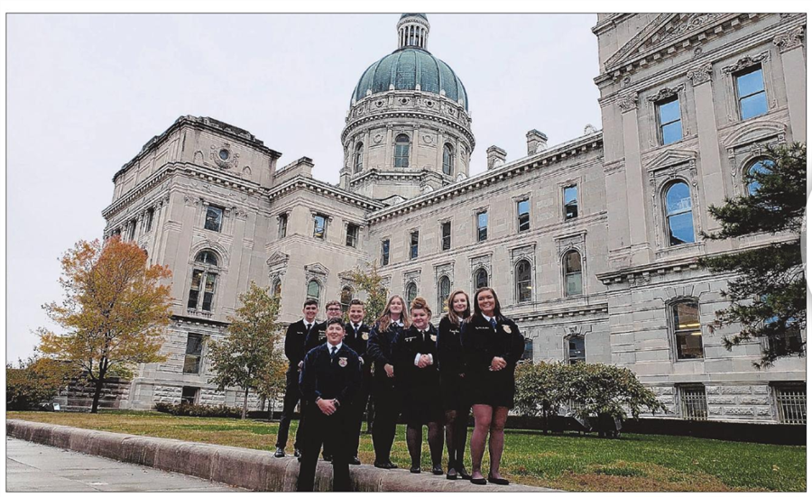 FFA Members in front of the Indiana State House