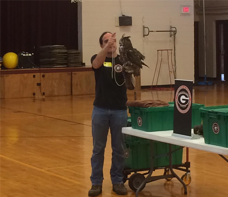 Sean Poppy from Savannah River Site's Ecology lab visits students at JES!