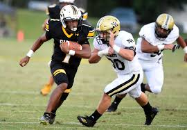 North Augusta wins over Evans 27-21 on Friday night at Blanchard Stadium.