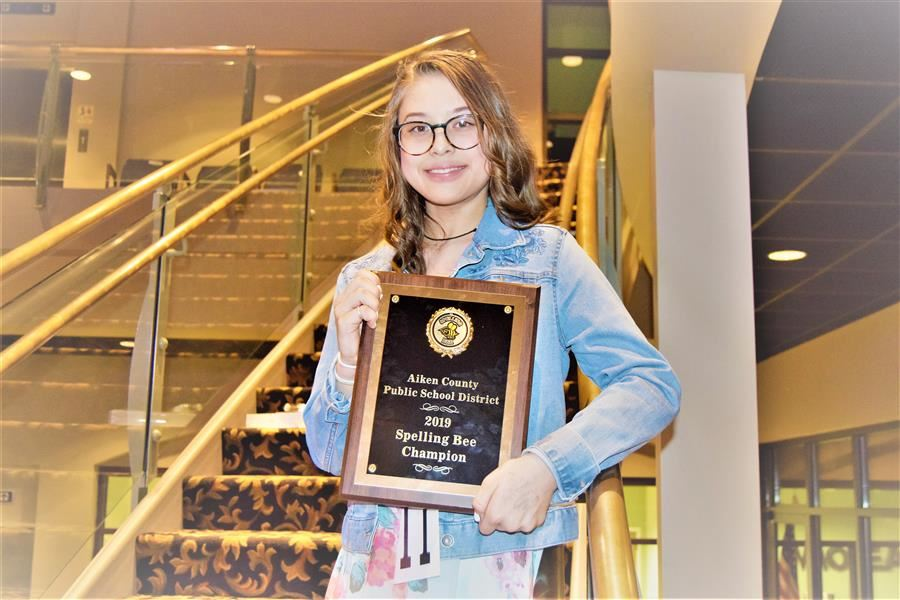 Kennedy Middle School's Rena Humes wins 2019 District spelling bee