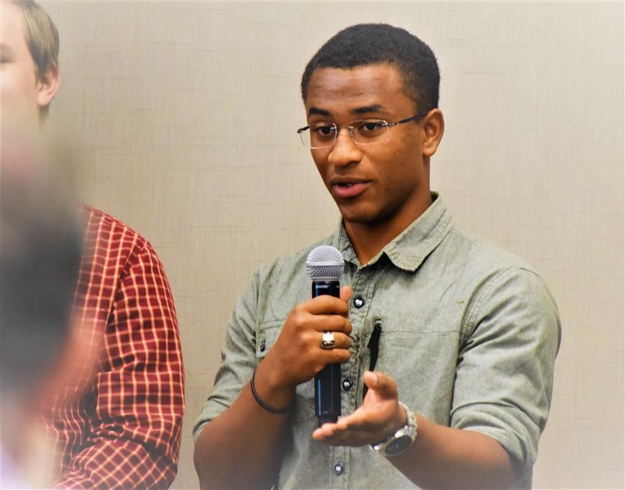 South Aiken student addresses corporate sponsors