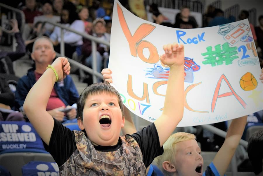 ACPSD student cheers during basketball game