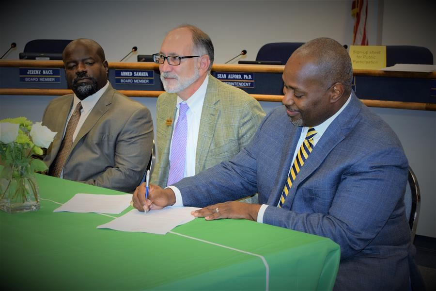 Dr. Alford signs MOU agreement with Lower Savannah Council of Government officials