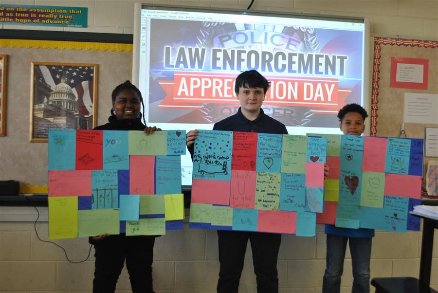 Students Thank Law Enforcement